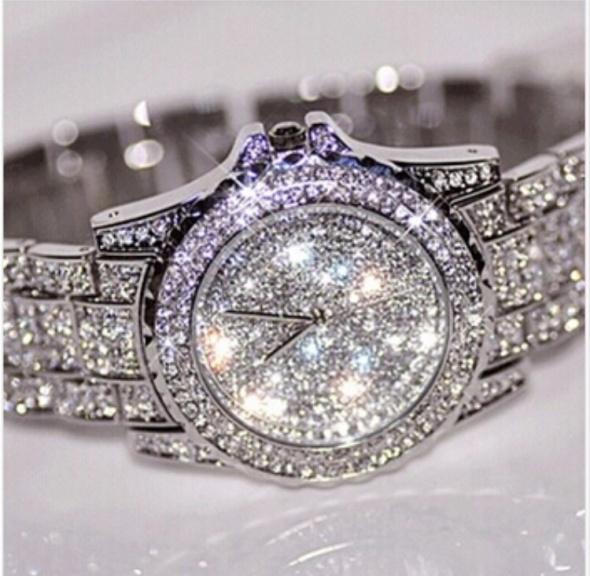 Luksusowy zegarek cyrkonie