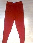 czerwone legginsy
