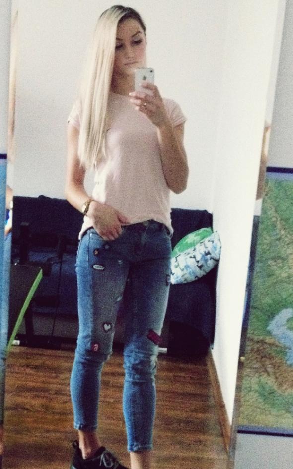 Codzienne cropp jeansy naszywki