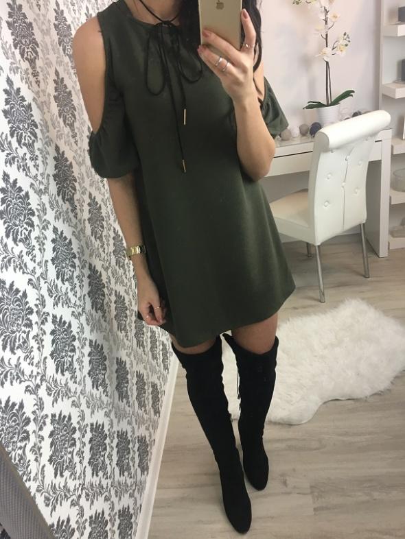 Zgniła Zieleń sukienka ala Zara odkryte ramiona