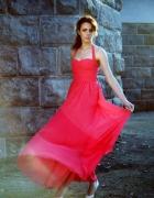 Zwiewna fuksjowa sukieneczka