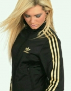 Czarna bluza Adidas...