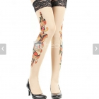 pończochy z tatuażem