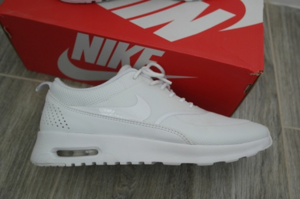 nike air max thea bia e damskie oryginalne r 41 w sportowe. Black Bedroom Furniture Sets. Home Design Ideas