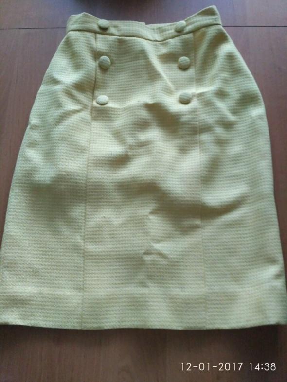 Spódnice Żółta spódniczka z ozdobnymi guzikami