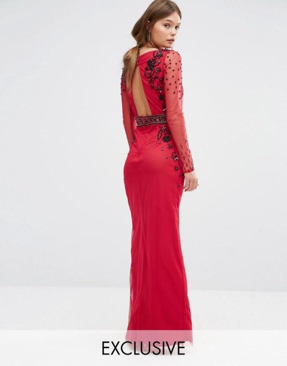 Karminowa suknia