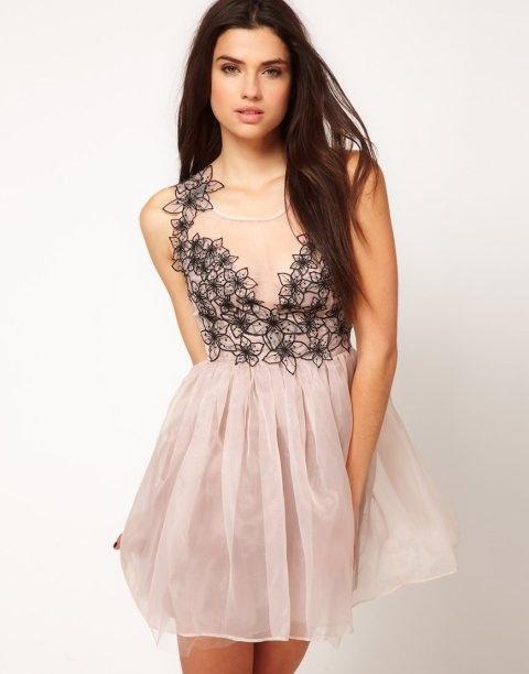 Sukienka lipsy pudrowa rozkloszowana...