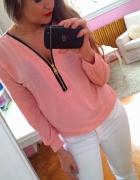 Różowa bluzka zip