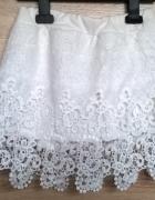 Biała spódniczka koronka haft gipiura