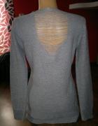 Popielaty sweterek ze srebrną nitką roz LXL