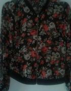Szyfonowa bluzka w kwiaty...