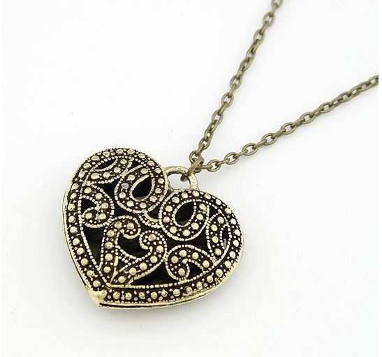 Naszyjniki Naszyjnik złote antyczne serce z łańcuszkiem