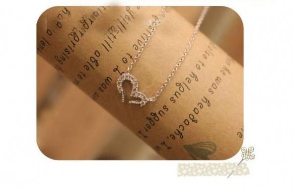 Naszyjniki Srebrny łańcuszek naszyjnik serce z cyrkoniami