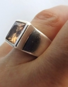 Cudo Pierścień z topazem srebro prawie 14 gr