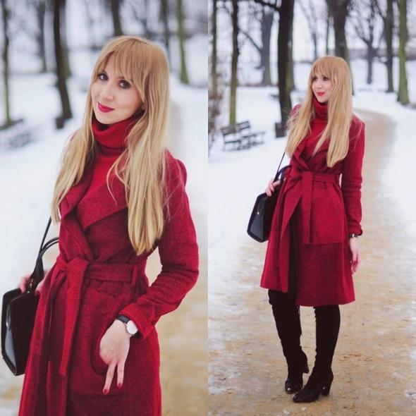 Blogerek Bordowy płaszcz