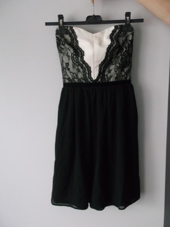 Suknie i sukienki Asos Kremowo Czarna Sukienka Gorsetowa Koronka