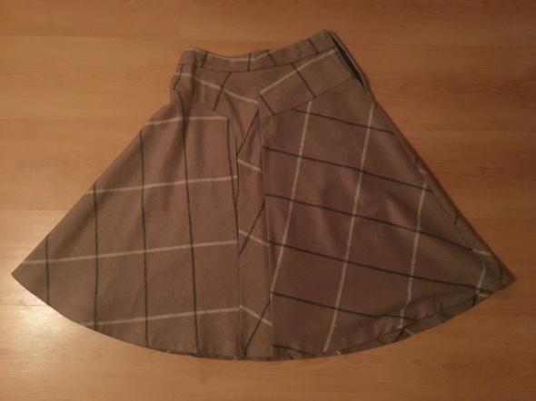 Spódnice Ciepła spódnica