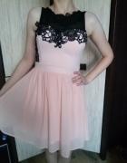 Piękna sukienka w kolorze pudrowego różu