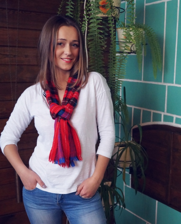 Blogerek Biała bluzka niby zwyklak