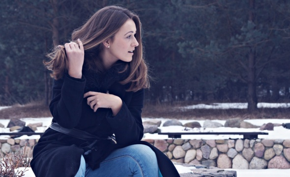 Blogerek Czarny długi płaszcz
