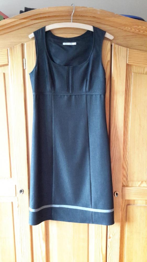 Suknie i sukienki Grafitowa sukienka QUIOSQUE
