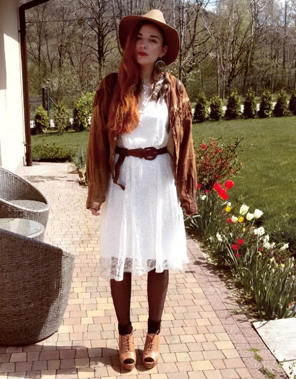 Wiosenna stylizacja z botkami z Zary...