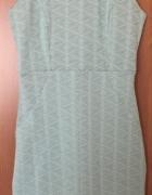 Elegancka sukienka z geometrycznym wzorem