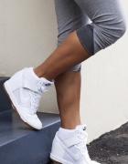 Nike na koturnie białe...