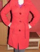 czerwony płaszczyk 36