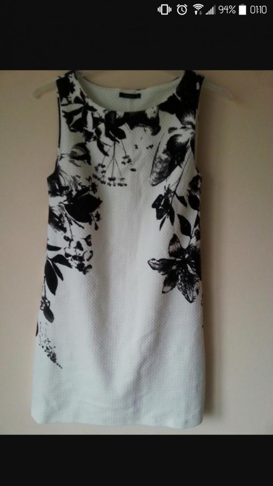 Ubrania Sukienka mohito z czarnym motywem kwiatowym 36 38