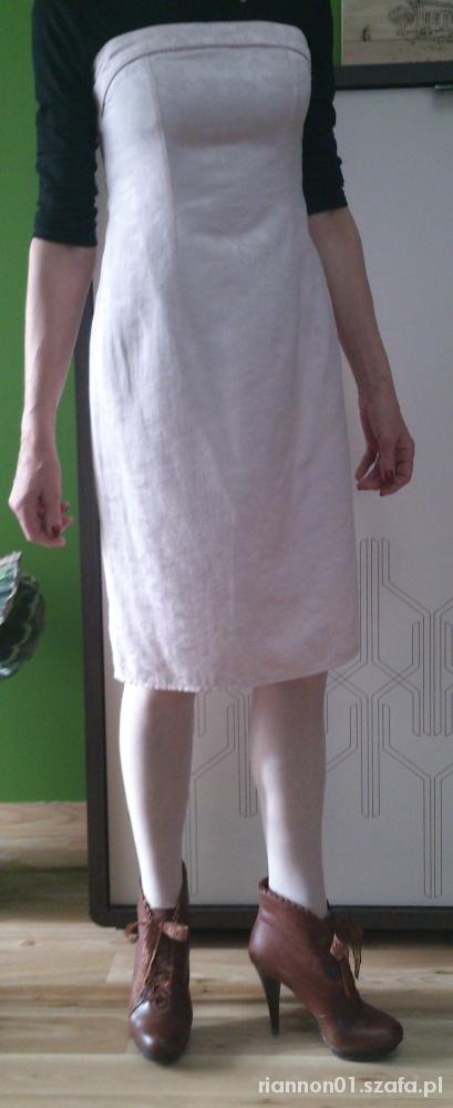 Suknie i sukienki Pudrowo różowa sukienka kwiaty