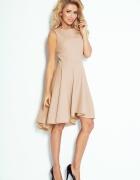 Asymetryczna rozkloszowana sukienka