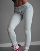 Spodnie rurki jasne jeansy dżinsy XS S 34 36