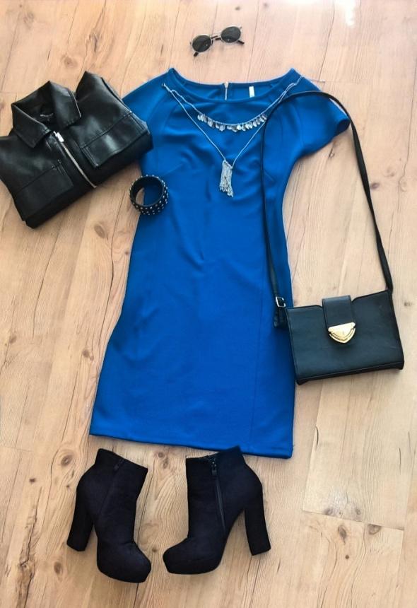 Do pracy Błękitna sukienka