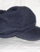 czapka HM z daszkiem