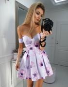 Sukienka kwiaty opadające ramiona...
