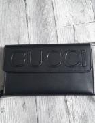 Duży portfel Gucci...