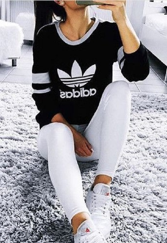 Blogerek czerń i biel na sportowo