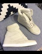 Sneakersy Topshop na koturnie bezowe skóra natural...