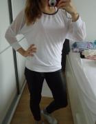 Bluzeczka biała luźna i przewiewna
