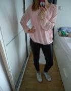 Różowa pudrowa bluzeczka zwiewna i elegancka