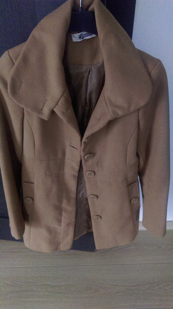 Odzież wierzchnia płaszcz karmelowy stradivarius