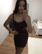 śliwkowa sukienka z paseczkami