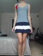Sukienka w paski z kokardka
