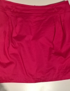 Spódnica w kolorze fuksji
