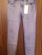 Nowe spodnie jeansy
