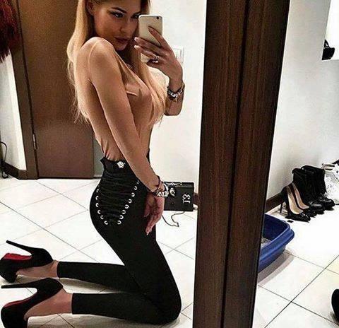 Spodnie ze sznurowaniami