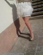 Przepiekna sukienka z piorami Sherri Hill oryginal