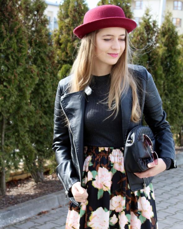 Blogerek Spódnica midi w kwiaty