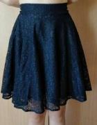 Koronkowa elegancka spódniczka